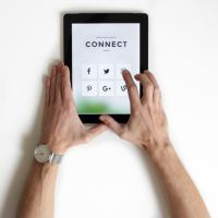 Superar el dolor físico y emocional de que no te sigan en las redes sociales